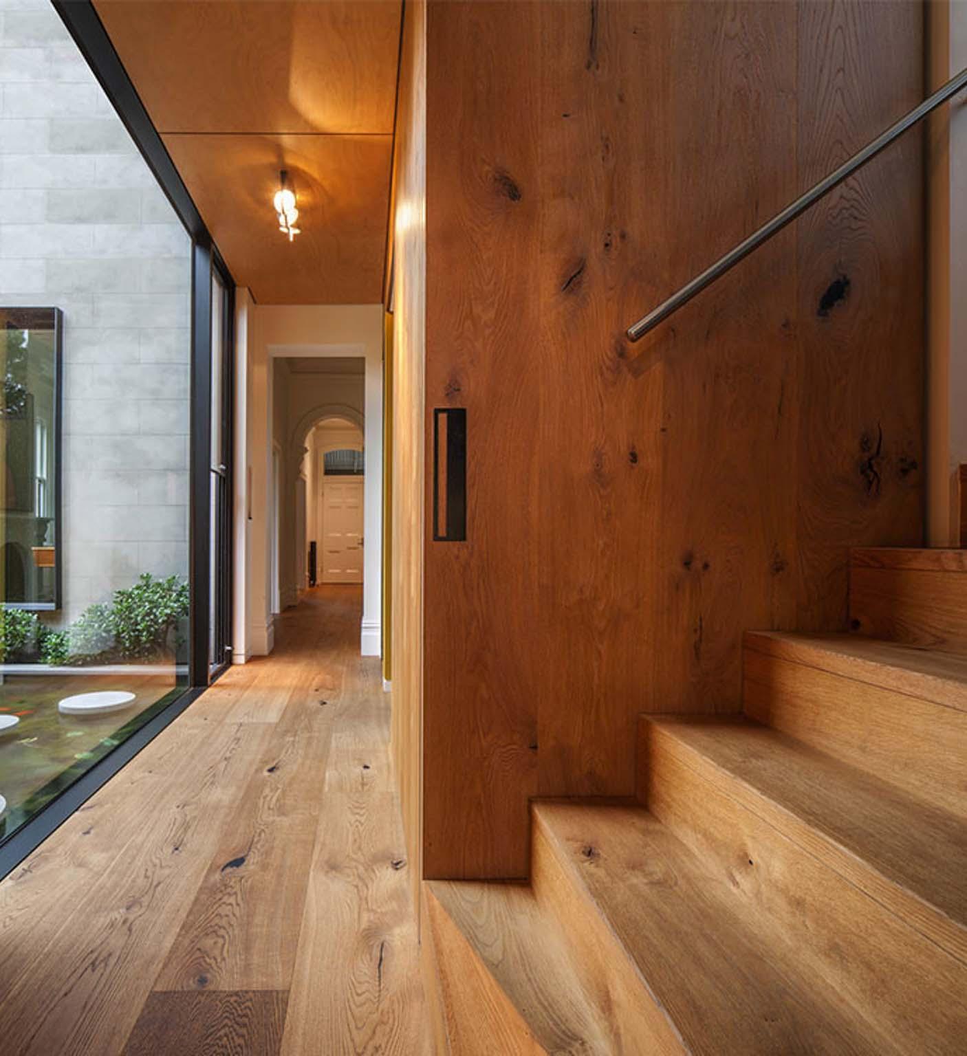 interior oak flooring